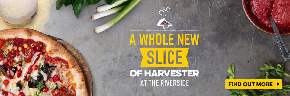 Pizza at Harvester Riverside